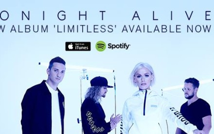 https://www.facebook.com/tonightalive/photos/a.10150621689805812.385331.155381905811/10153319144050812/?type=3&theater